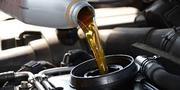 замена масла в двигателе,  АКПП и тд.