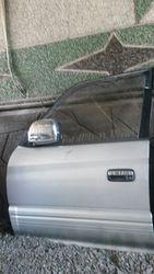 дверь передняя левая на  Toyota Land Cruiser Prado 95